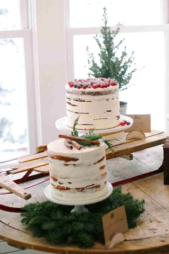 forest cakes with rustic decor 3