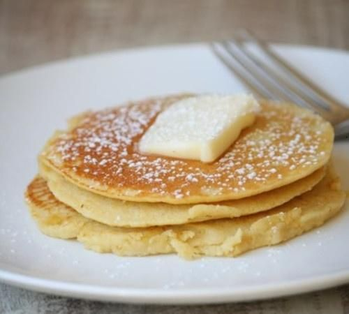 Skinny pancakes. No flour. 2 egg whites, 1/2 cup uncooked oatmeal, 1/2 banana, 1/2 tsp. vanilla extract (optional). Put all ingredients in a blender. Blend on high for 15-20 seconds. Spray a griddle or skillet with non-stick spray.