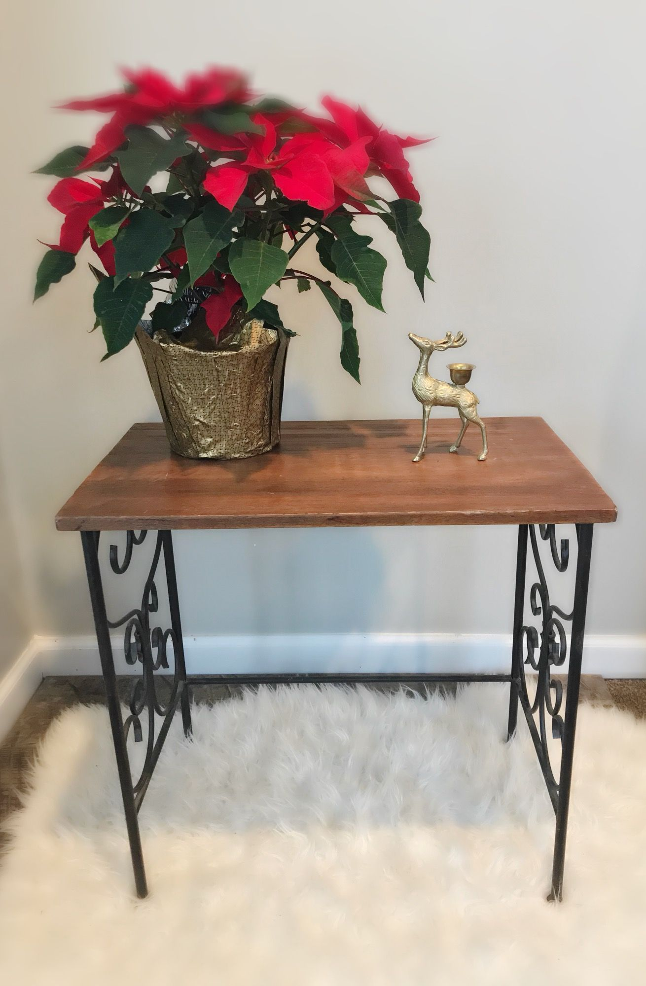Adorable wooden table with metal legs rustic vintage