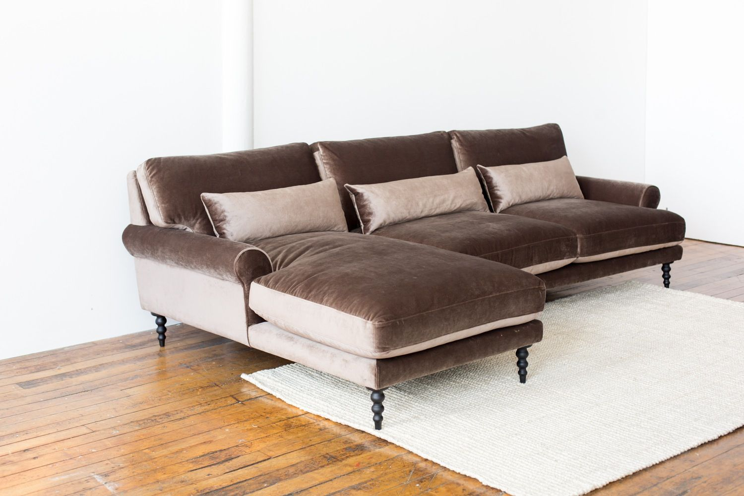 How To Use A Sectional In Any Size Space Maxwell Interior