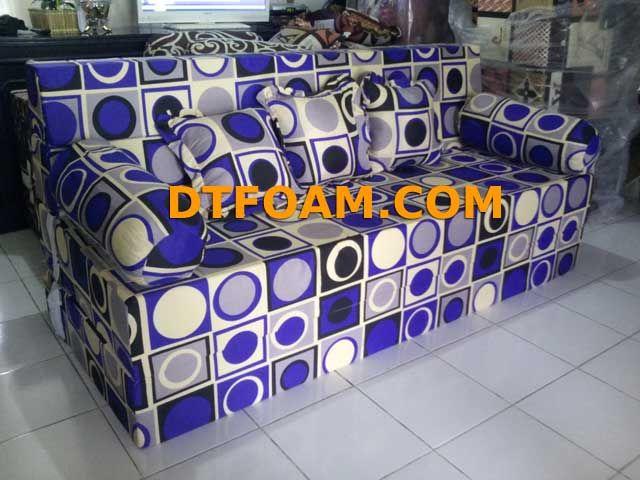 https://dtfoam.com/sofa-bed-inoac-bulat-biru-minimalis/ Sofa Bed Inoac Bulat Biru Minimalis : – Pilihan Busa : Super awet 10 tahun /Esklusif awet 15 tahun. – Cover : Katun. – Dapat di vakum untuk memperkecil biaya pengiriman. – Motif cover dapat menggunakan motif cover sofa bed maupun motif kasur busa. Sofa bed adalah gabungan sofa dan …</p>