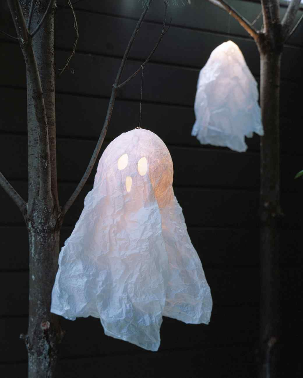 Make Floating Ghosts at home Happy Haunting Pinterest - Halloween Ghost Decorations