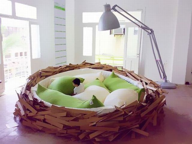 Unusual Kids Bed Room Like Giant Nest With Green Pillow Design . × By Image  Unusual Kids Bed Room Like Giant Nest With Green Pillow Design.