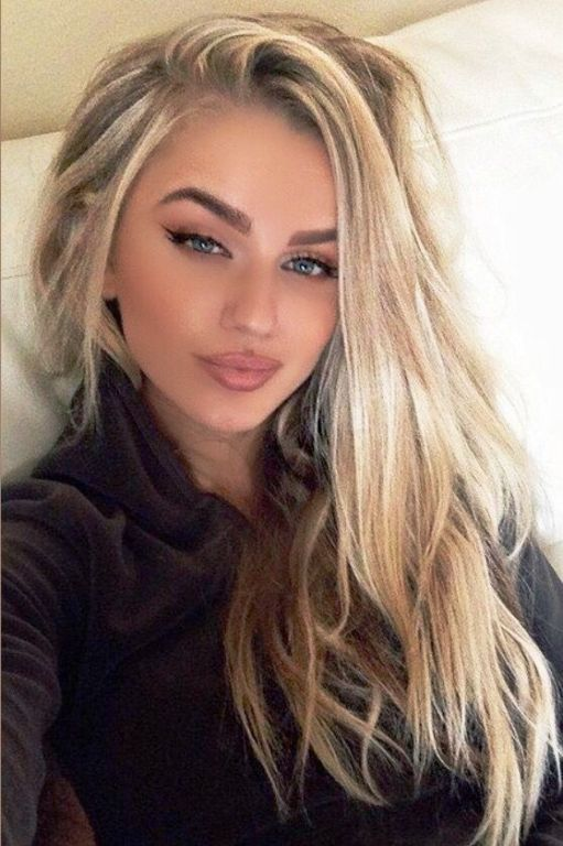 Ash Blonde Hair With Caramel Highlights Blonde Hair Color Long Hair Color Hair