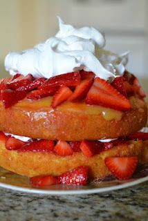 Delightful Deets: Strawberry Lemonade Cake