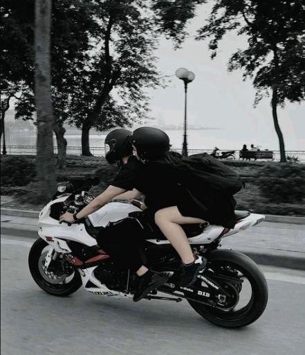 Motorbikes couple #motorbikes #couple ,  motorräder zu zweit ,  couple de motos…