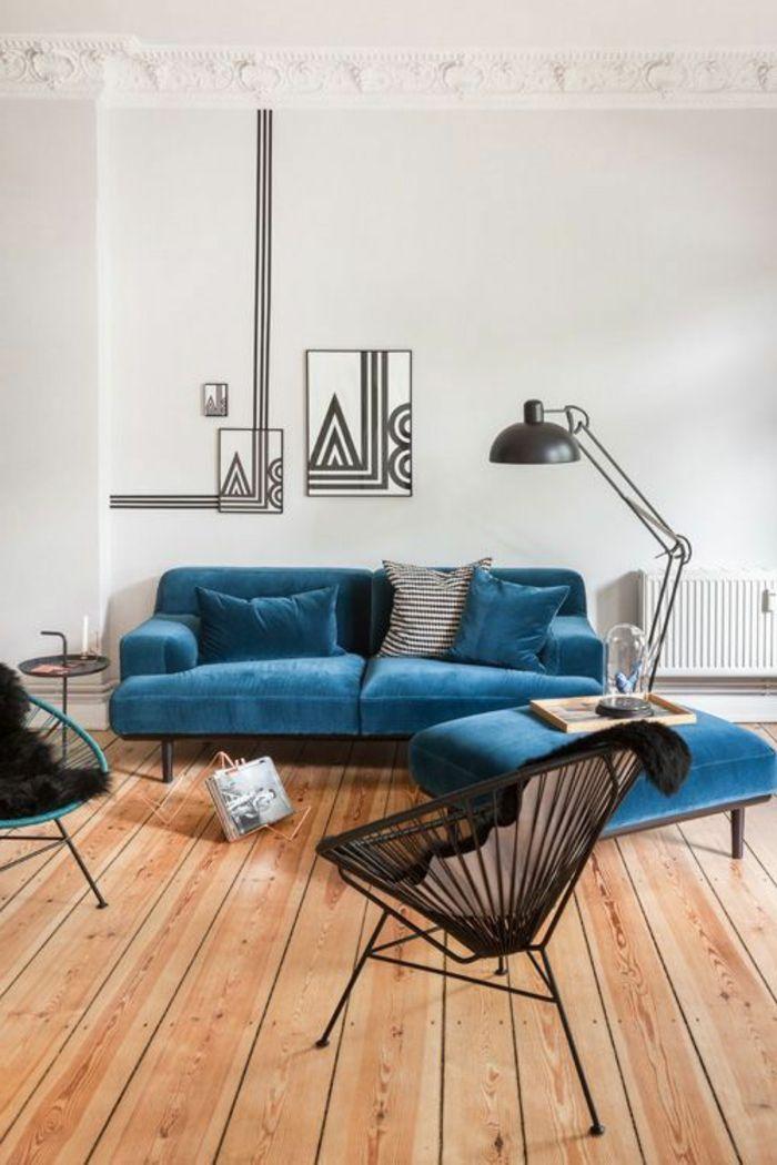 super tolles modell - barock sofa aus samt - viele kissen darauf ...