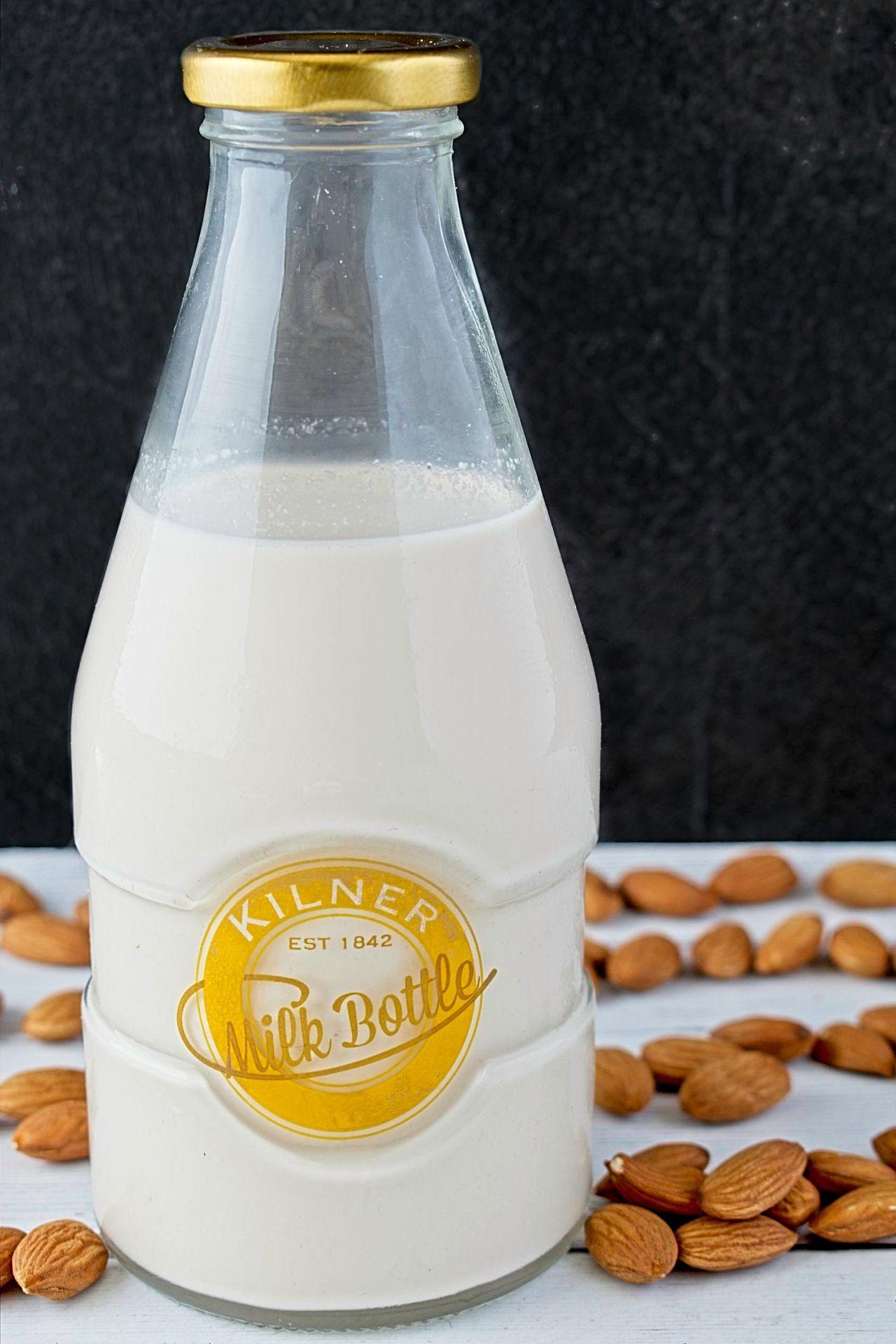 Almond Milk Recipe Smoothies with almond milk, Vegan