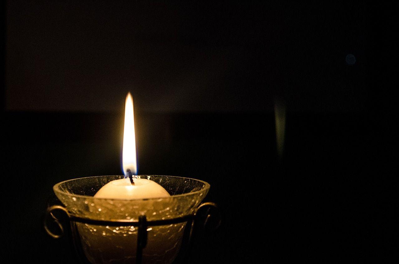 Kaarsje Branden Betekenis.Gratis Afbeelding Op Pixabay Kaars Brand Kaarslicht