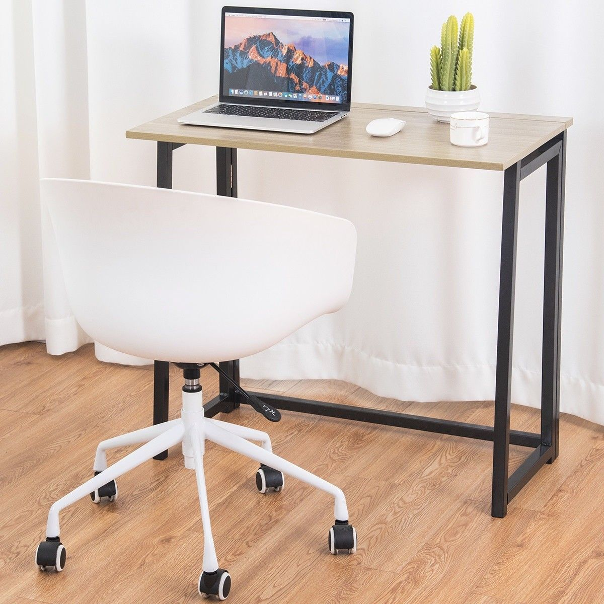 Compact Computer Desks Come In A Wide Assortment Of Designs Small Computer Desk Folding Computer Desk Computer Desk