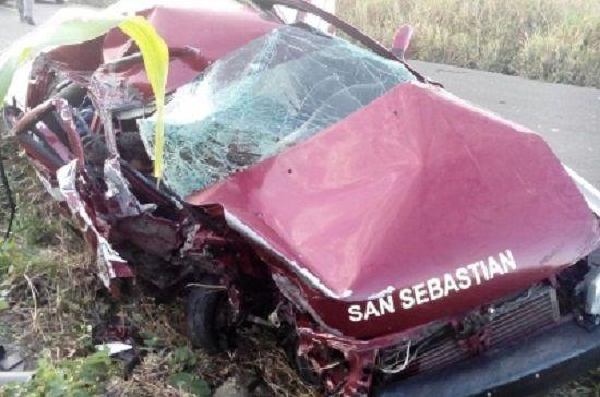 1 muerto y 4 heridos en accidente entre Chicontepec y Tepetzintla - http://www.esnoticiaveracruz.com/1-muerto-y-4-heridos-en-accidente-entre-chicontepec-y-tepetzintla/