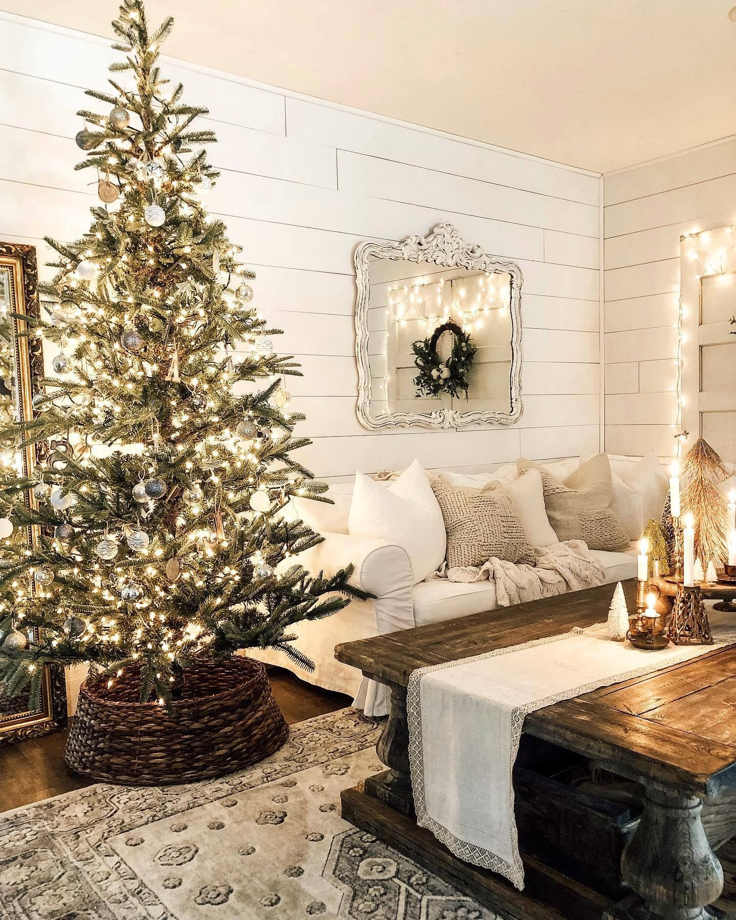 7' King Noble Fir Artificial Christmas Tree With 500 Warm