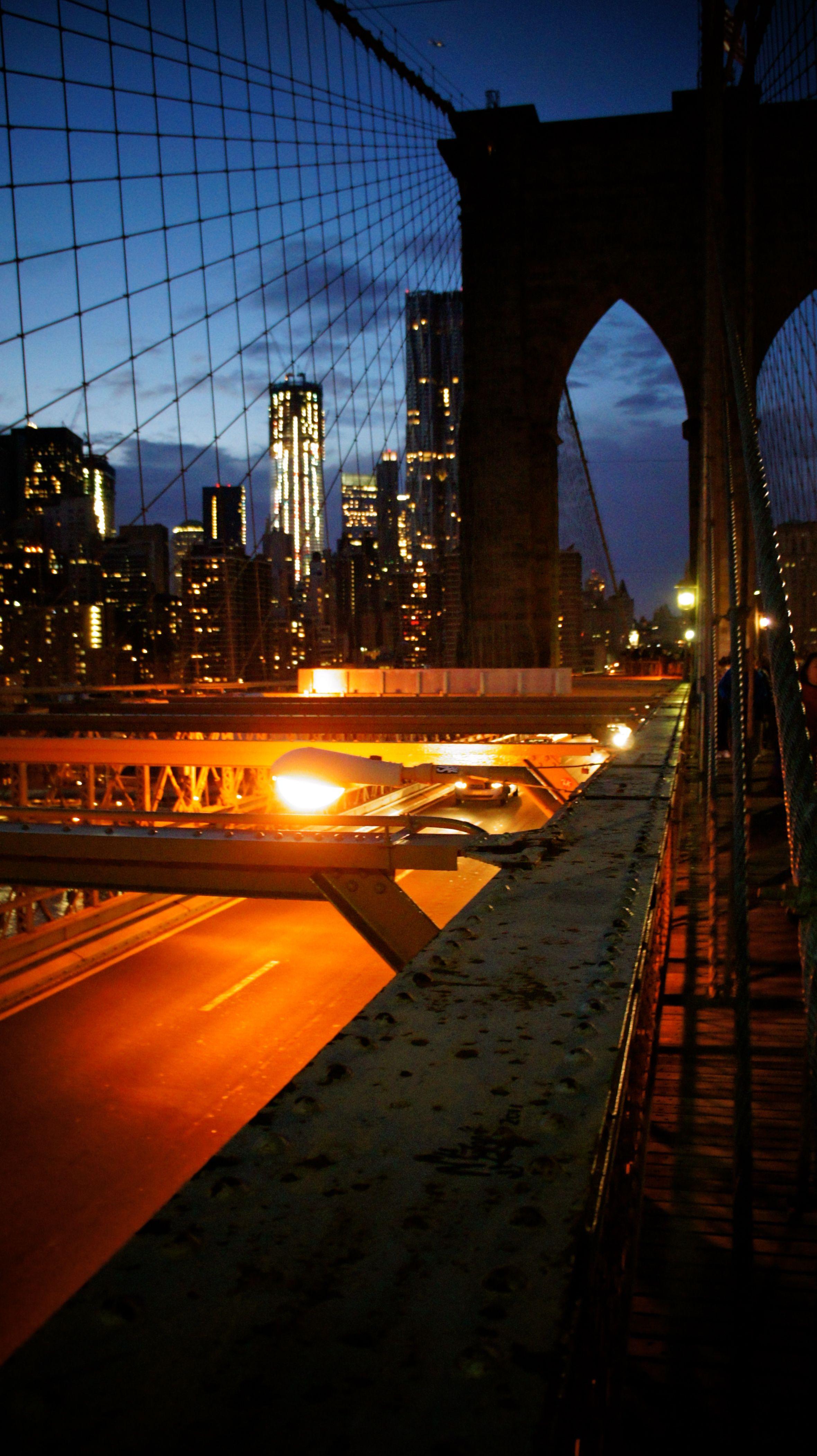 Brooklyn Bridge twinkling at night :-)
