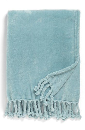 Kennebunk Home Bliss Plush Throw Available At Nordstrom For Me Coastal Inspired Kitchens