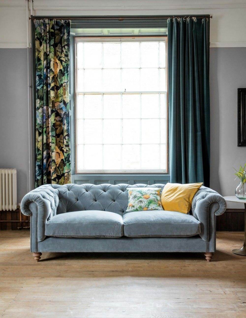 Chesterfield sofa modern grau  Albert Chesterfield Sofa - Available in 17 Colours and 2 Sizes ...