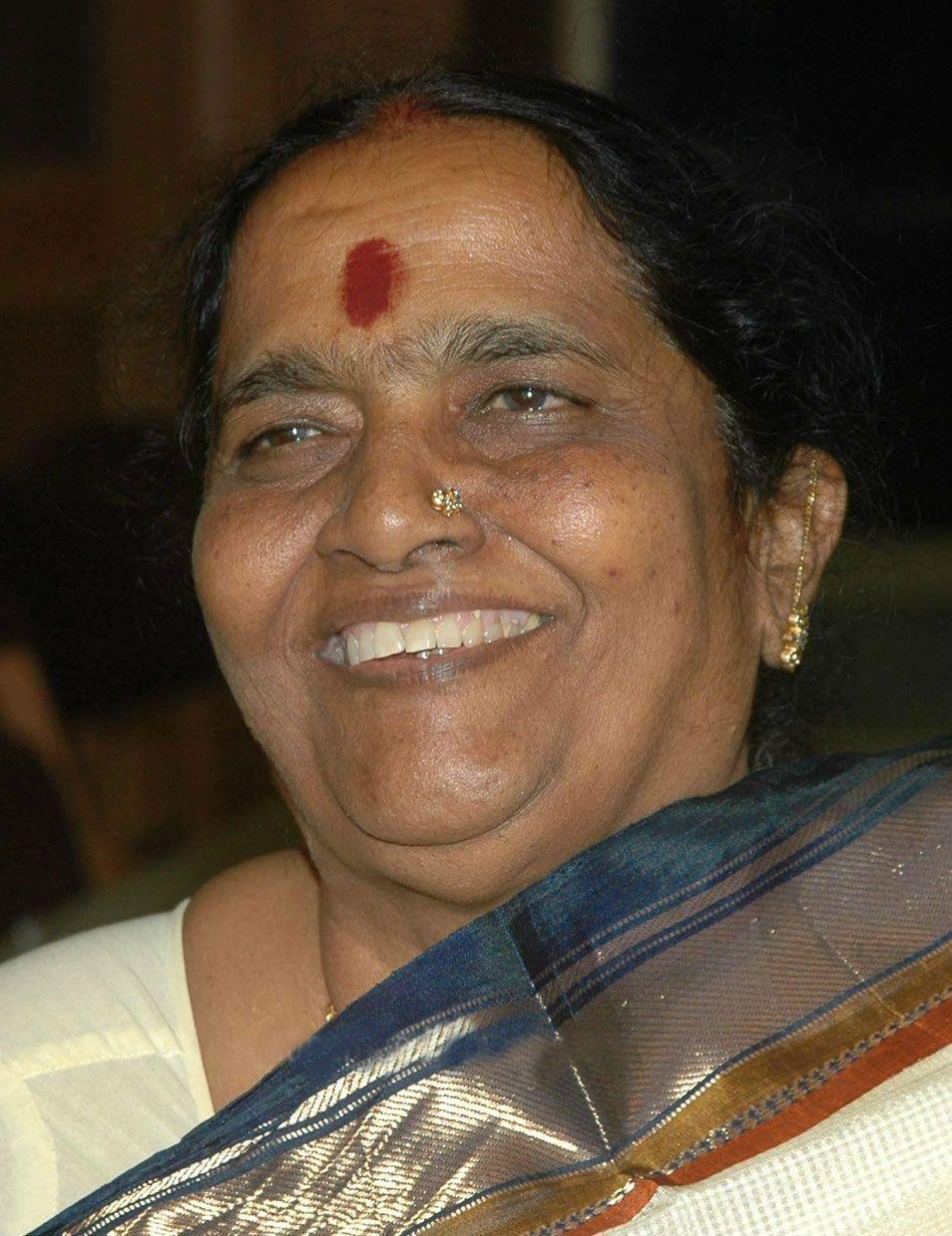 Parvathamma Rajkumar admitted into hospital Superstar