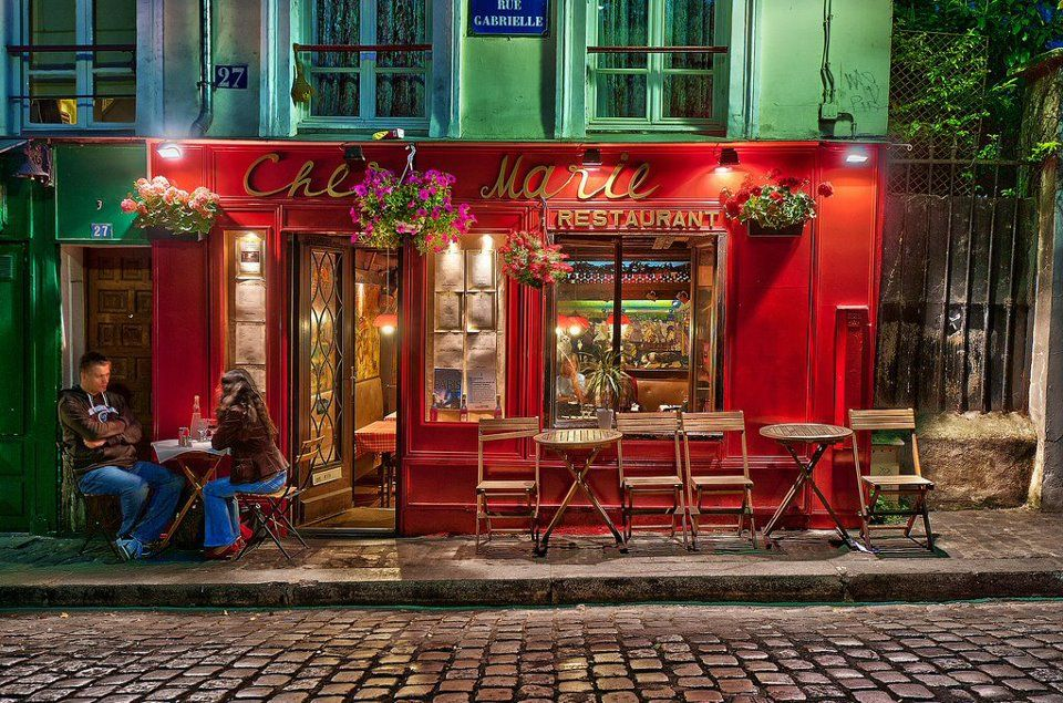 Montmartre At Night Restaurant Chez Marie Paris Paris