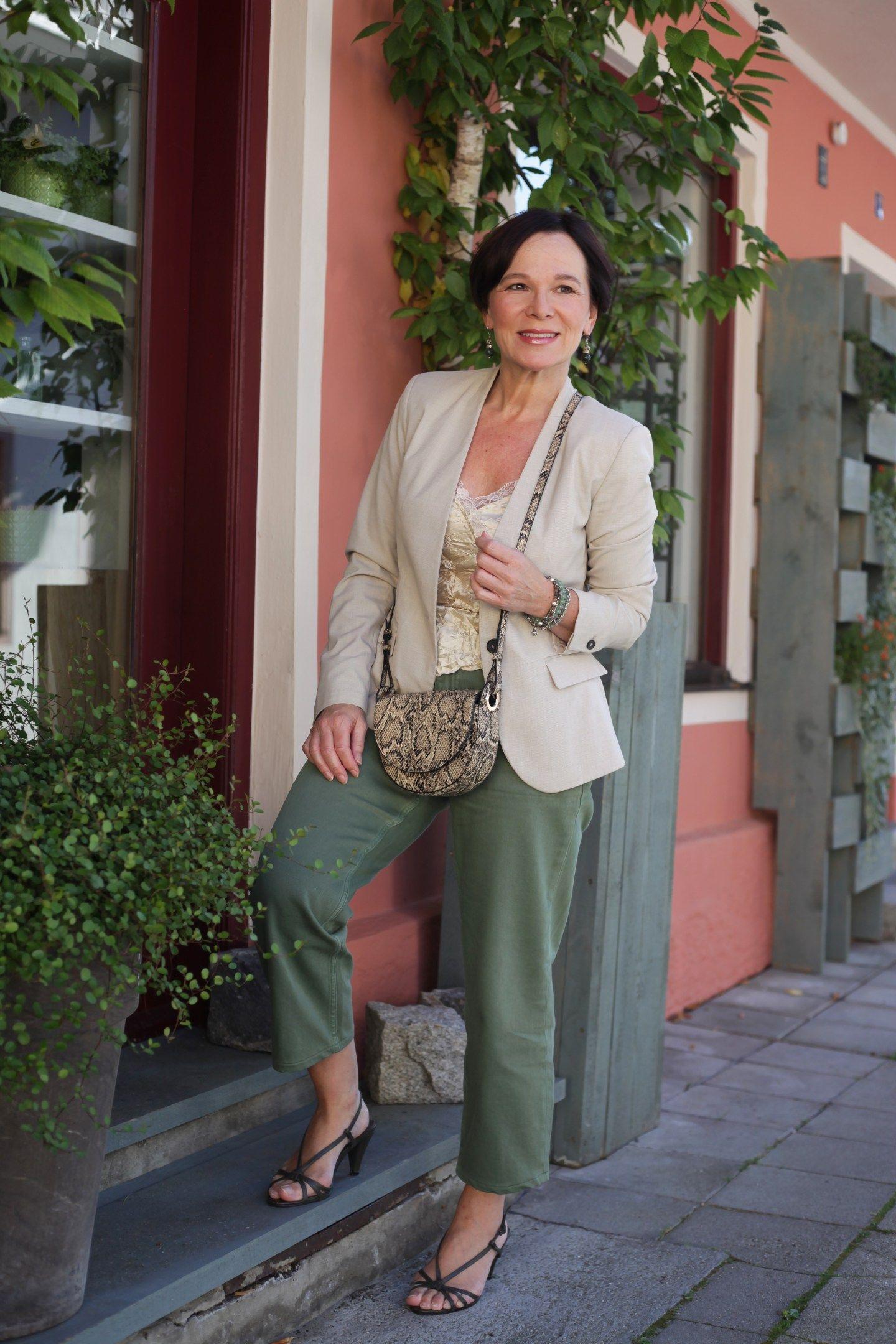 So tragen auch Frauen über 50 ein Lingerietop | Damenmode