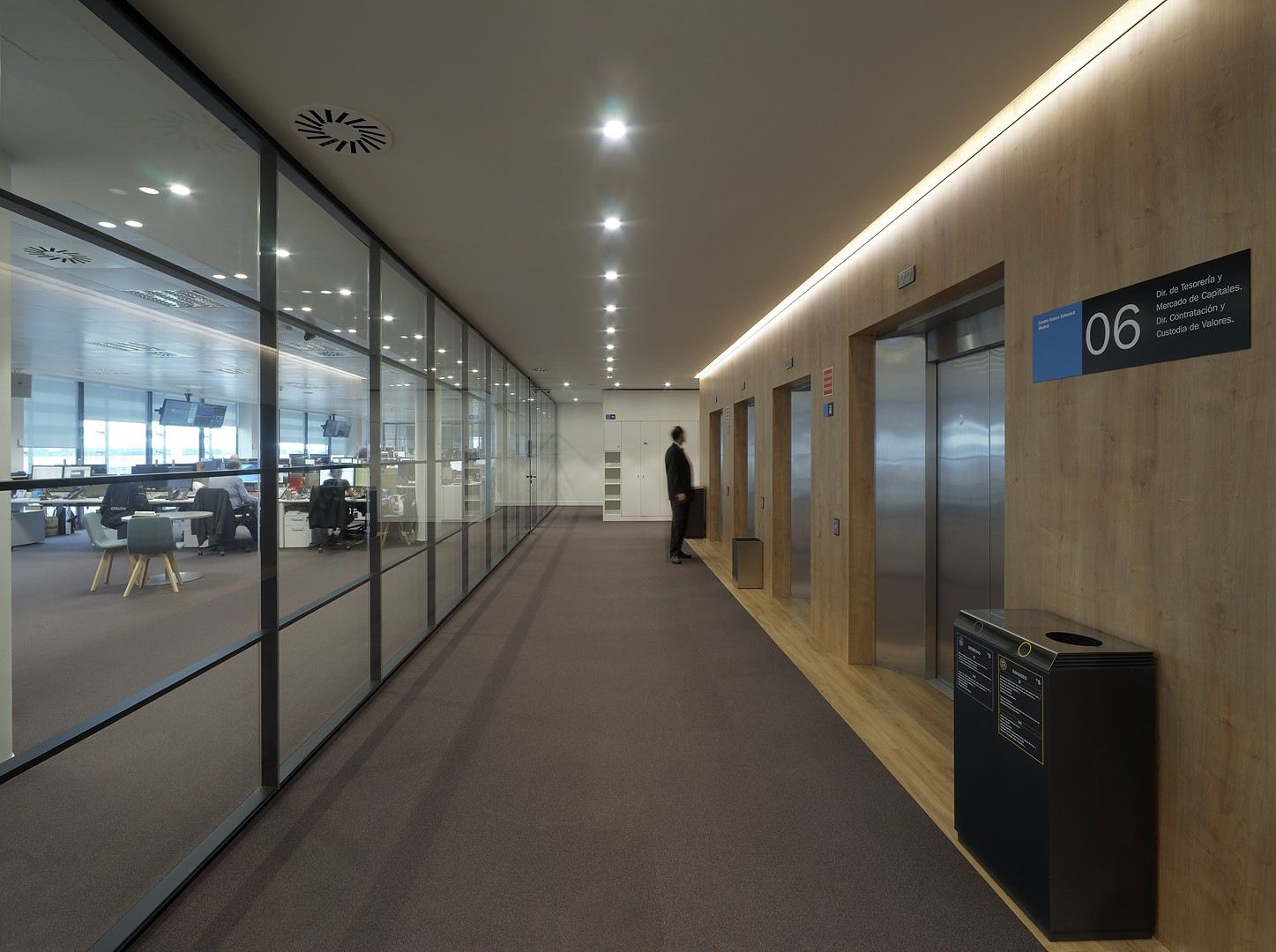 Banco Sabadell Office By Aguirre Newman Office Snapshots
