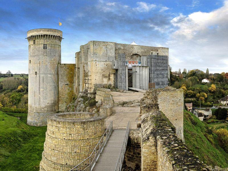 Chateau Guillaume Le Conquerant A Falaise En Normandie Normandie Tourisme Chateau A Visiter Guillaume Le Conquerant