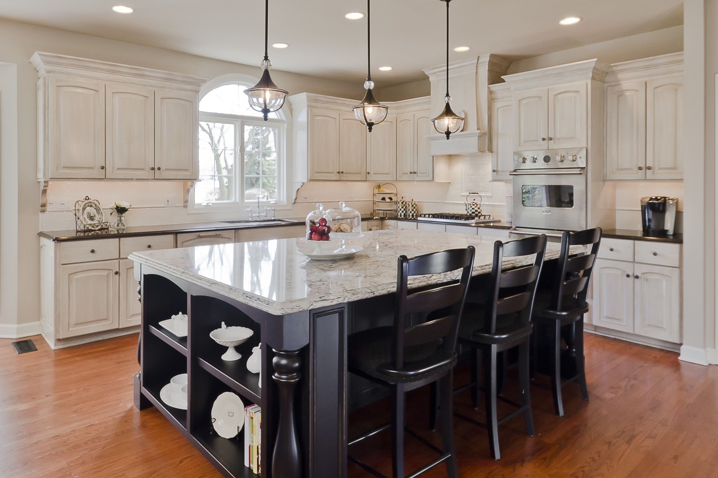 Kitchen Island With Granite Top And Seating Black Kitchen Island Stylish Kitchen Kitchen Island With Seating