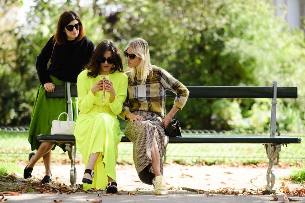 http://www.harpersbazaar.com/fashion/street-style/g12484730/paris-fashion-week-spring-2018-street-style/?slide=104
