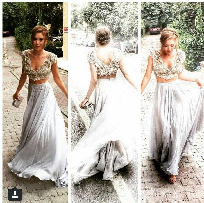 Tuvanam Unluler The Dress Moda Stilleri