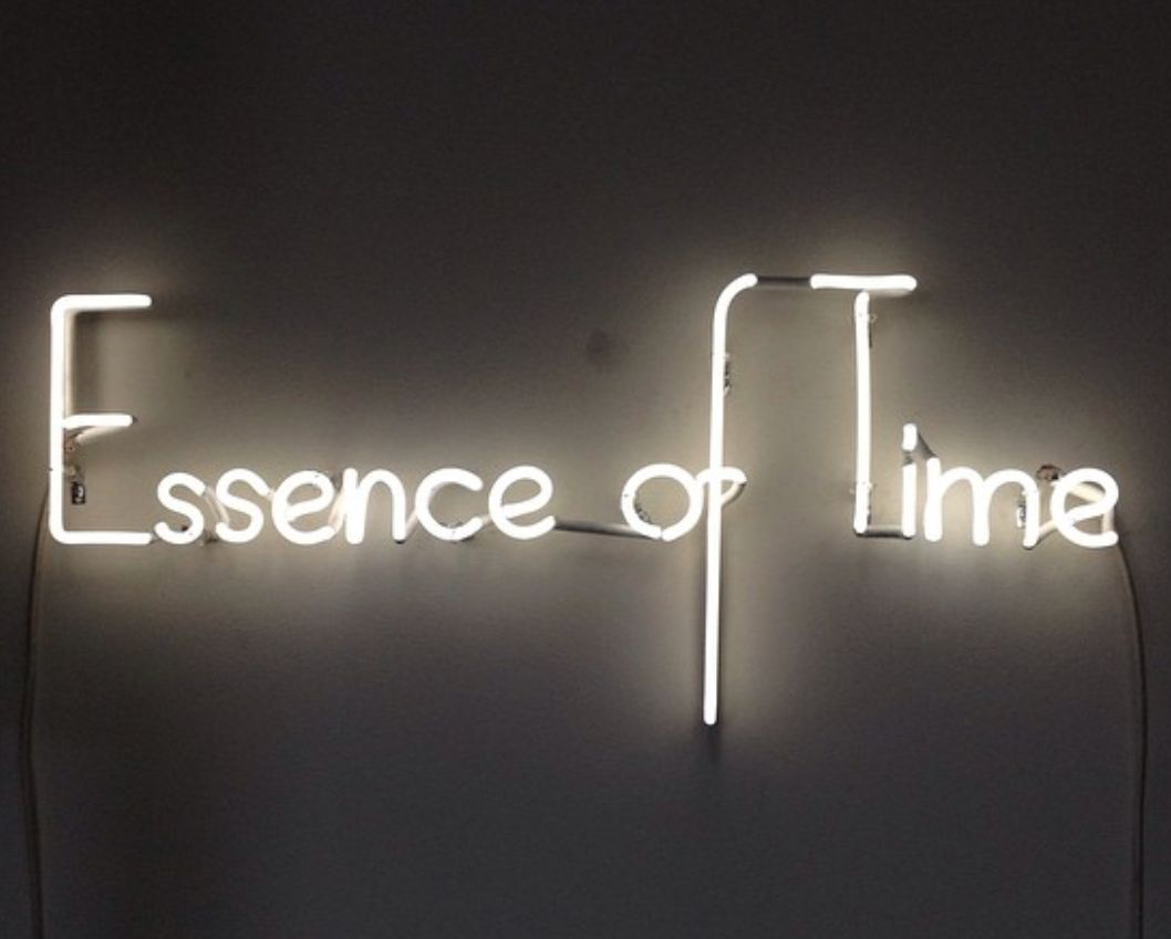 Neon Essence Of Time The Neon Queen Lisa Schulte Neon Aesthetic Neon Quotes Neon Signs