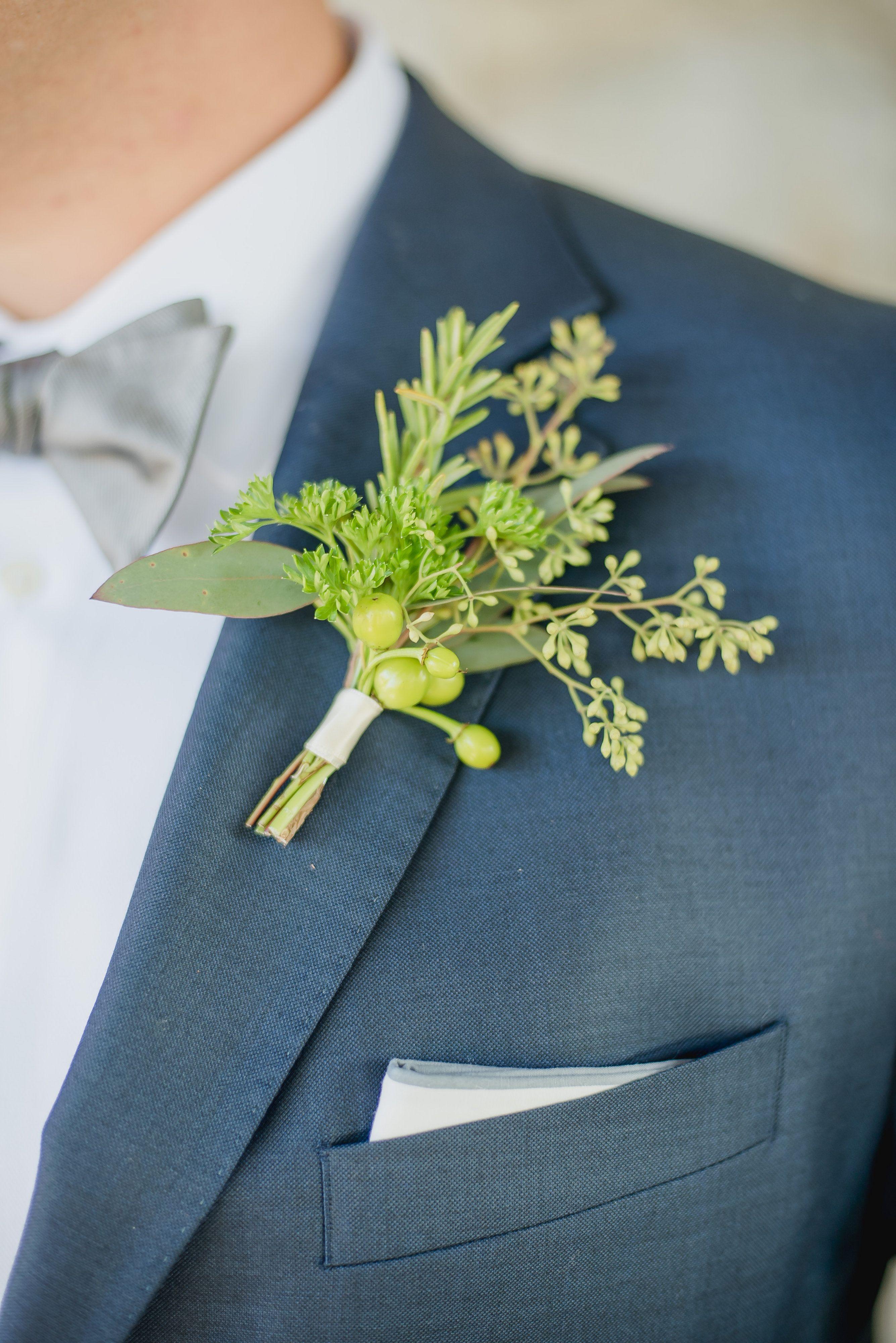 Jessica & Corey\'s Wedding | Image by KariDawson.com #weddingsuits ...