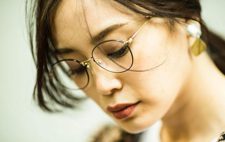 30代40代メガネ女子におすすめのファッション メイク 髪型を大特集 Domani メガネ女子 おしゃれメガネ メガネコーデ