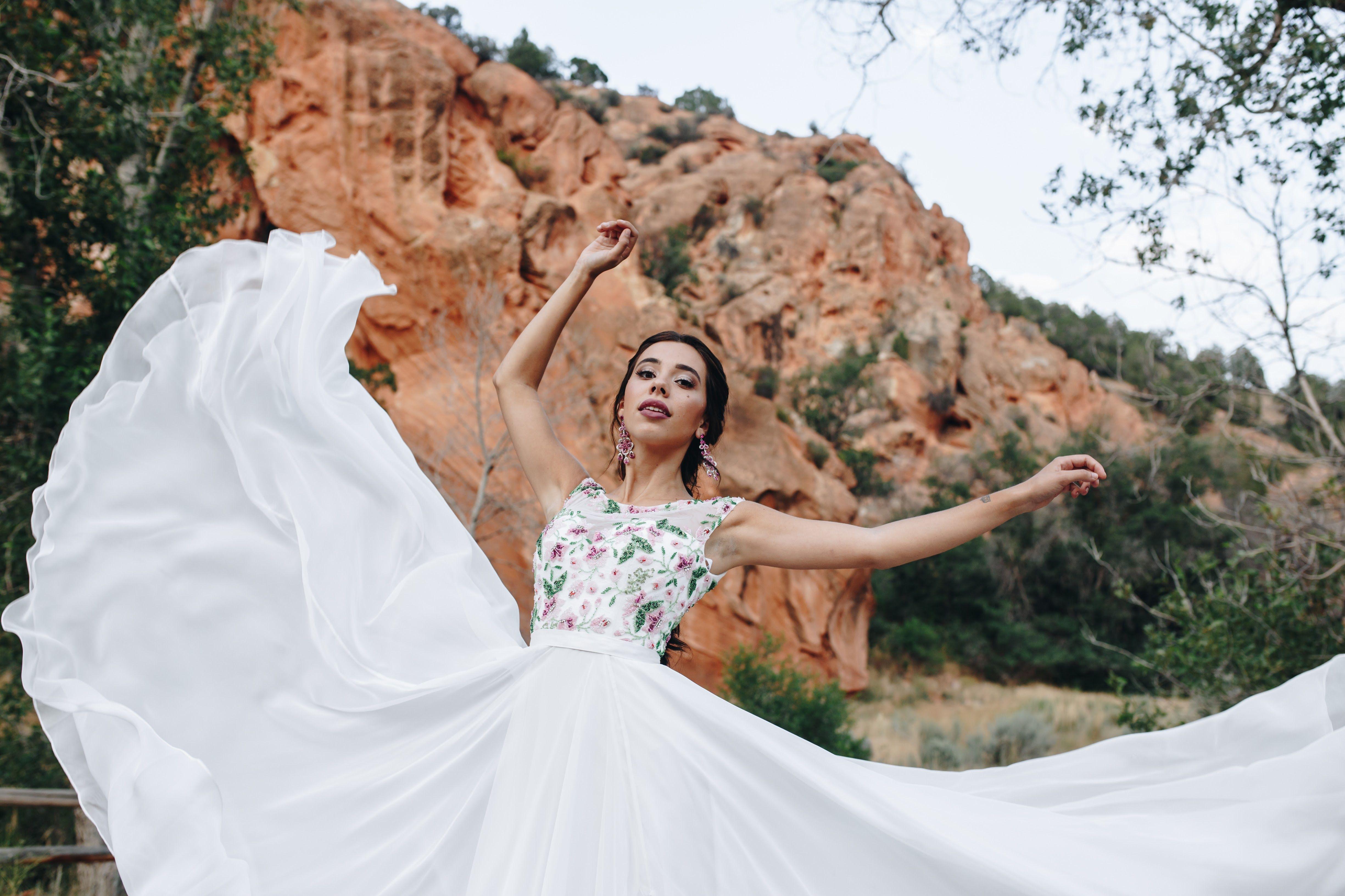 Sherri hill white flowy dress with beaded bodice capped sleeves utah