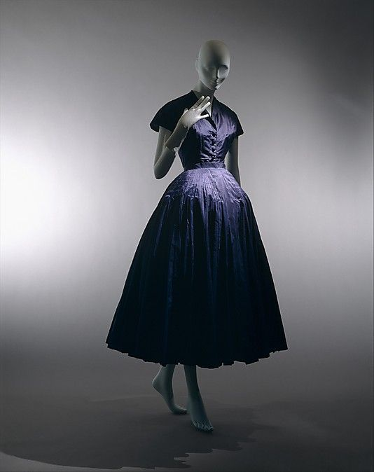 """""""Chérie"""" House of Dior, spring/summer 1947, silk. Exemplary of Dior's signature 'New Look'"""