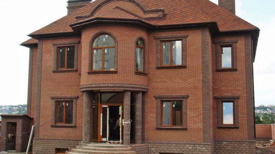 Строительство дома из дерева, кирпича, пеноблоков