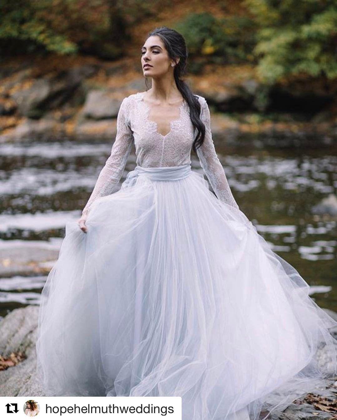 Non Traditional Wedding Dress. 👍👌 #weddingdresses