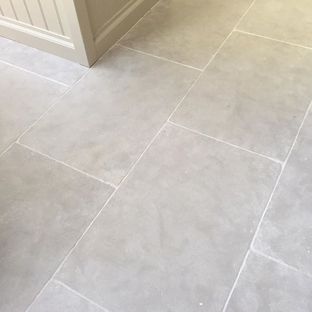 Paris Grey Limestone Looks Stunning In Kitchens And