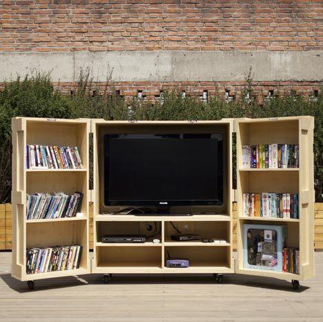 Portable wooden closet Kiosk Pinterest Mueble vitrina