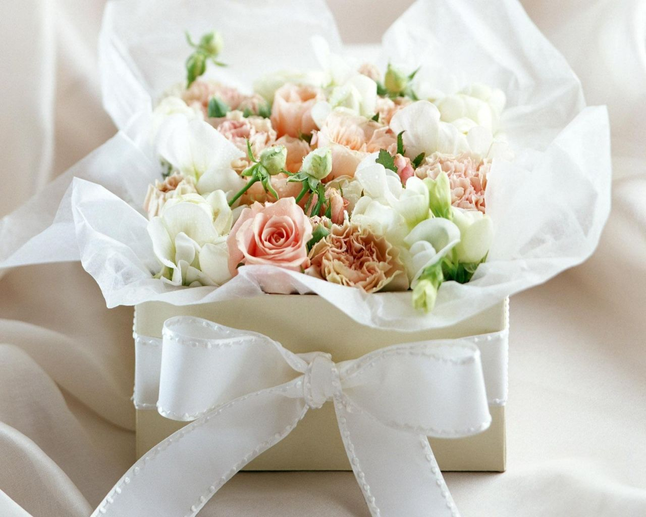 White Rose Flower Bouquet In A Box Bridal Bouquet Pinterest
