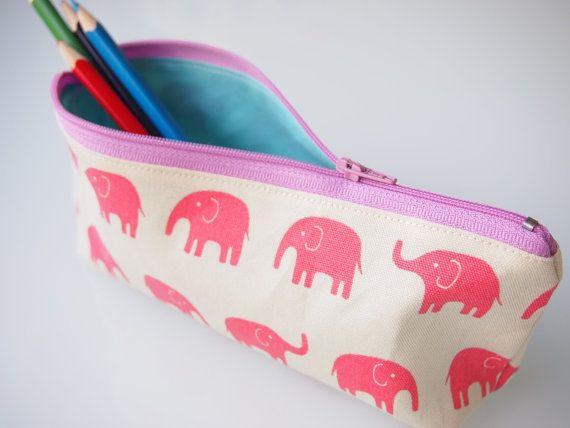 Zippered Pencil Case / Pouch  Pink Elephants par piggledee sur Etsy,