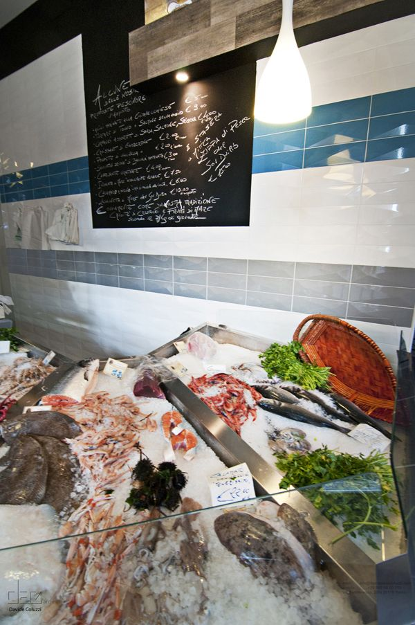 Sor Duilio Restaurant And Fish Market By Davide Coluzzi Fish Restaurant Food Displays