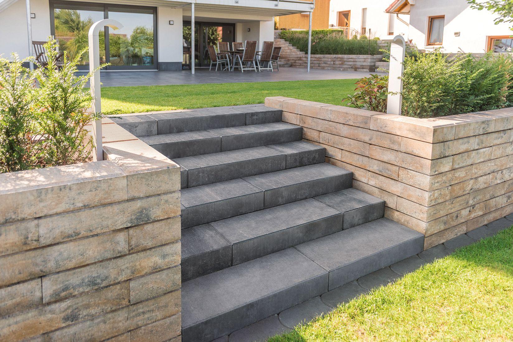 via stufen quarzit kombiniert mit der lineo mauer in muschelkalk stufen hang und. Black Bedroom Furniture Sets. Home Design Ideas