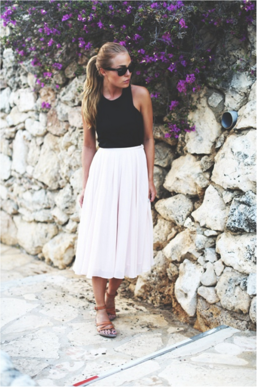 43b495f85a Pleated Skirts, Perfect For Summer   outfit inspiration   Fashion ...