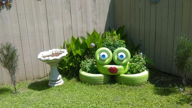 Tire frog. How cool! | Tire frog