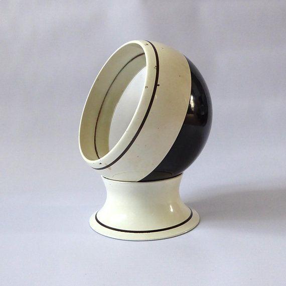 Best Orb Vanity Mirror Vintage Black And White Dressing Table 400 x 300