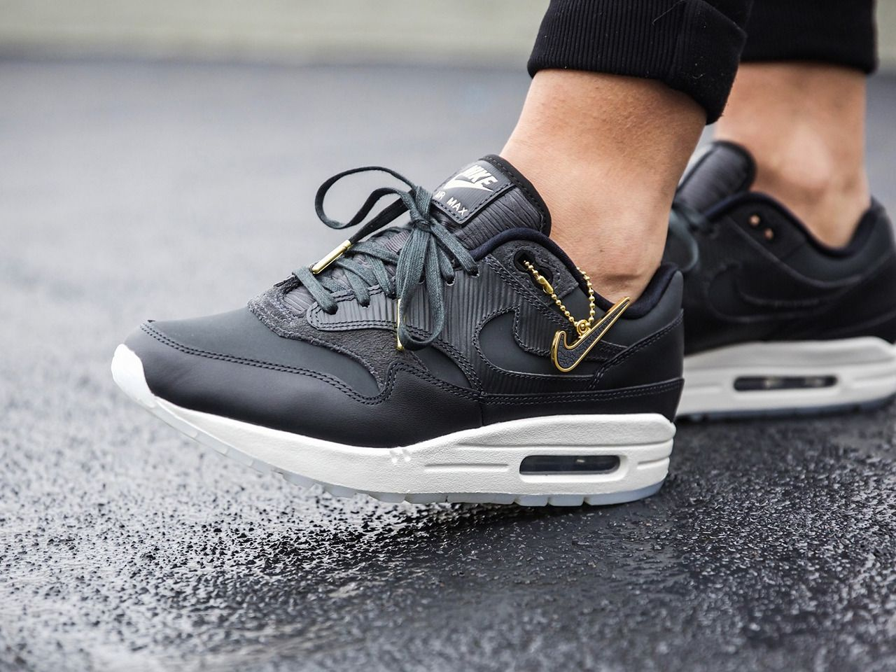 sale retailer 6be50 12c03 Nike wmns Air Max 1 Premium - Anthracite Black - 2017 (by ginogold) Buy here