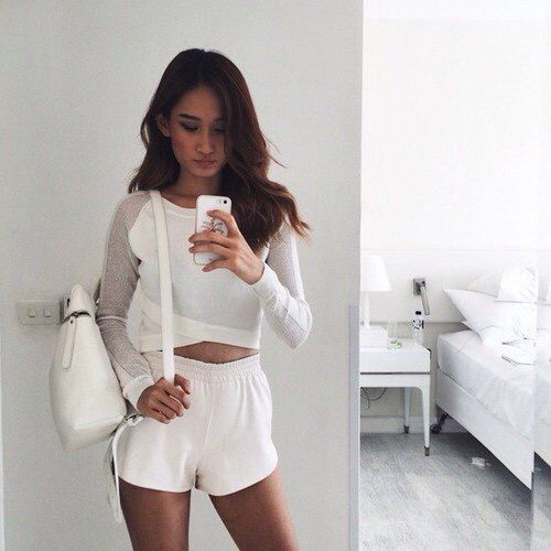 Image via We Heart It https://weheartit.com/entry/169785137/via/2659899 #whiteshorts #allwhite