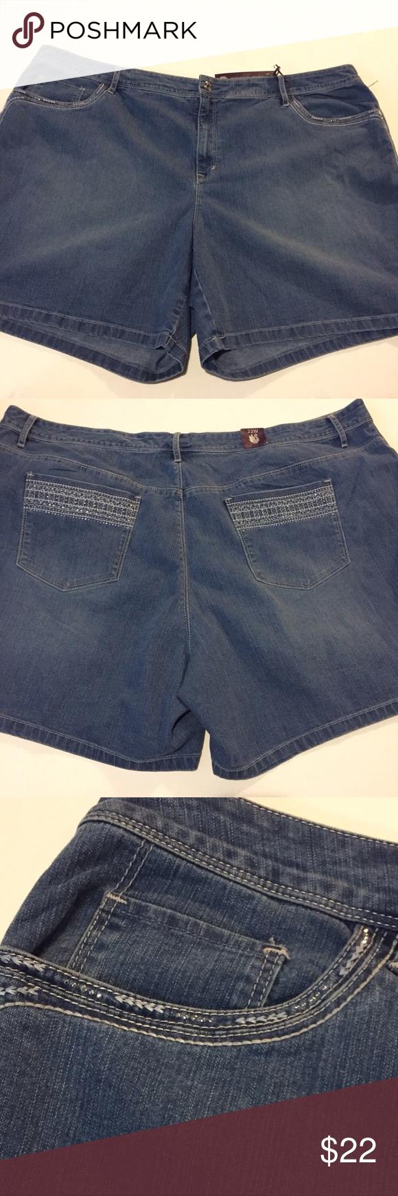 b4307f6e197 Gloria Vanderbilt Blue Jean Shorts 22W Gloria Vanderbilt Blue Jean Shorts  22W Runs large Style 'Jaqueline'. Flat Front Beautifully Spa…