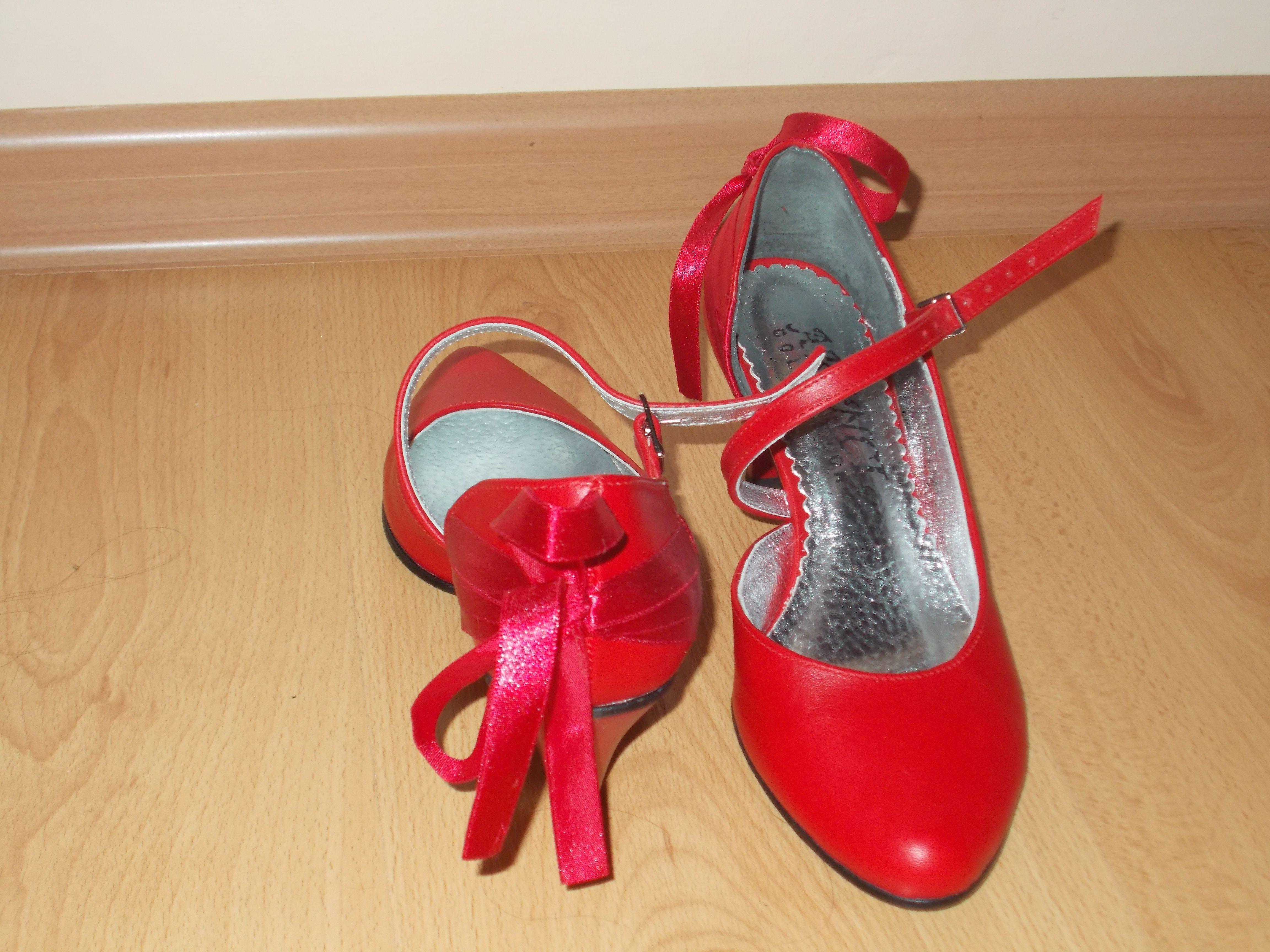 Czerwone Buty Slubne Z Kokardka Stiletto Heels Heels Stiletto