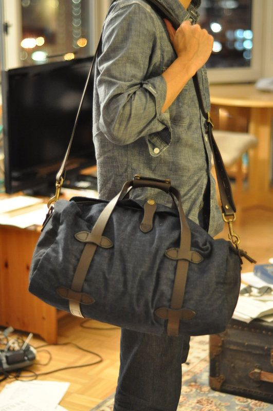 Good Manly Sporty Travel Look For Guys Archeologous Suggests Smart And Light Filson Levi S Duffle Bag Mensfashion Vacationfashionformen