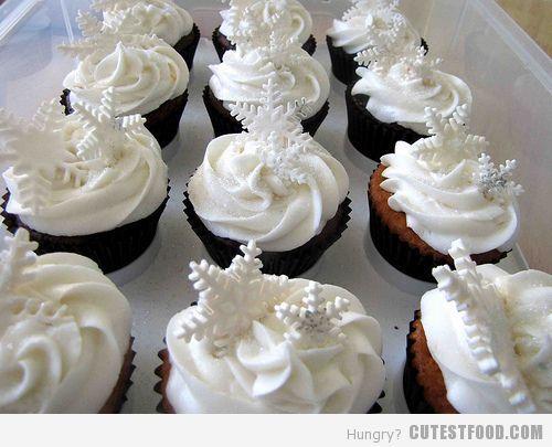 Snowflake Cupcakes Pretty For A Winter Reception