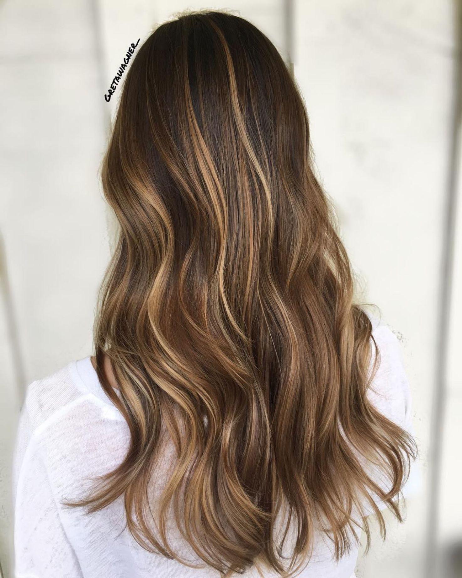 Long Brown Hair With Thin Highlights Brown Hair With Highlights Brown Hair With Highlights And Lowlights Hair Highlights